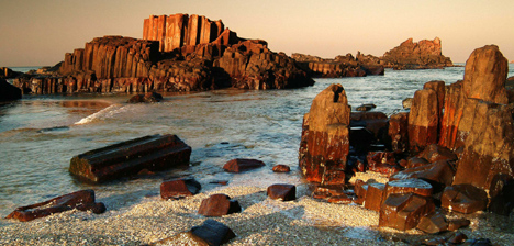 st-marys-island-rocks-water-udupi-malpe.jpg