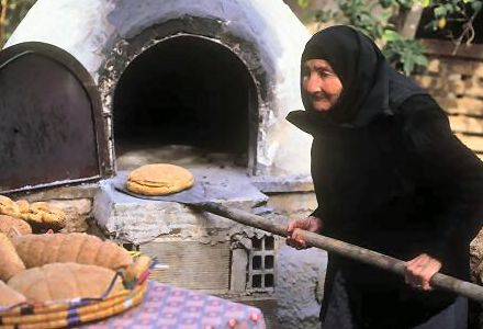 No, Ofto Kleftiko is not the Cypriot term for an old lady by an oven ...